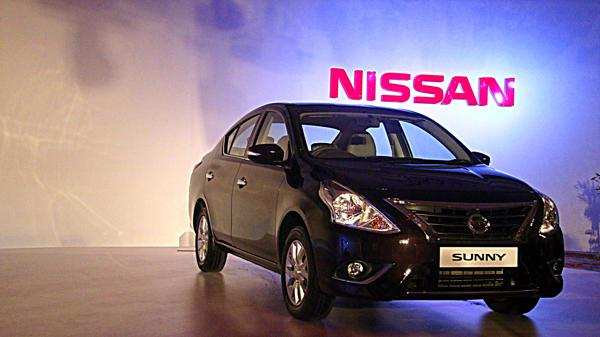 Nissan Sunny Launched 2014 Photo