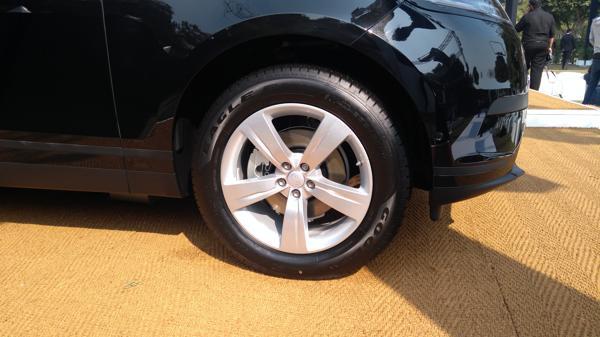 Range-Rover-Velar-wheel