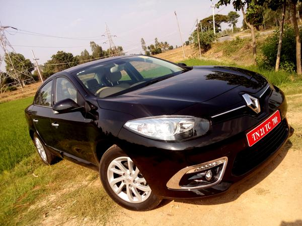 Renault Fluence Facelift Review - CarTrade