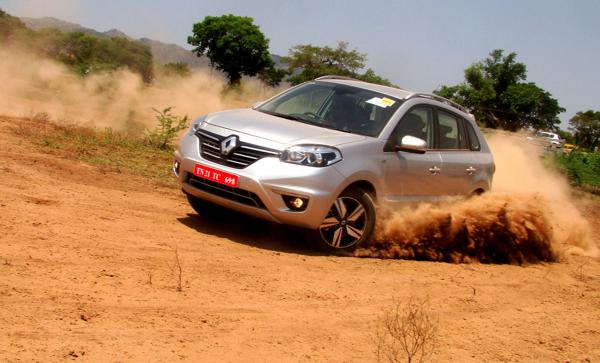 Renault Koleos Review - CarTrade