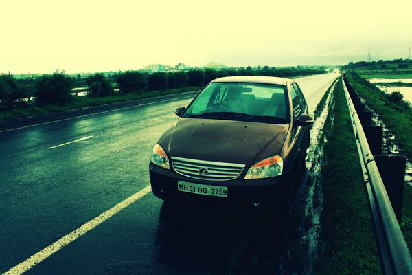 2013 Tata Indica eV2 Review - CarTrade