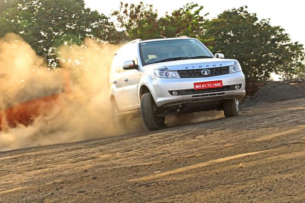 2015 Tata Safari Storme 4x4 Facelift Review - CarTrade
