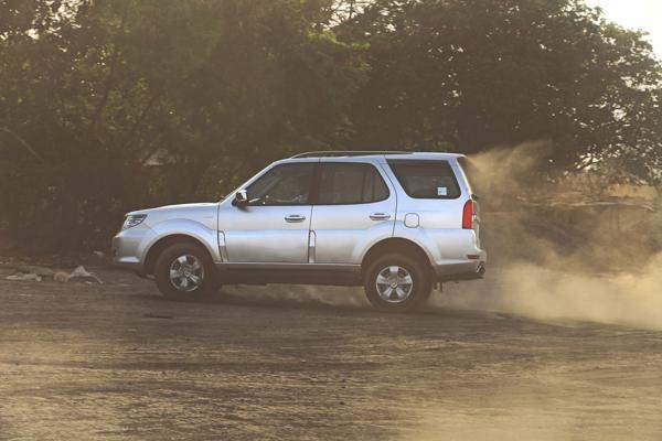 Tata Safari Storme Facelift Images 8
