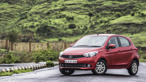Tata Tiago AMT First Drive Review - CarTrade
