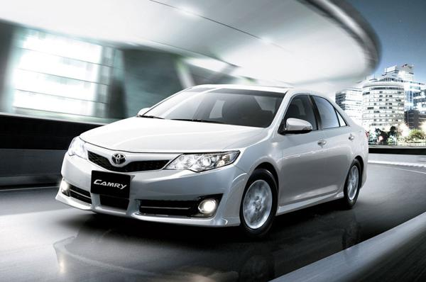 Toyota Camry Hybrid launched in India at Rs. 29.75 lakh