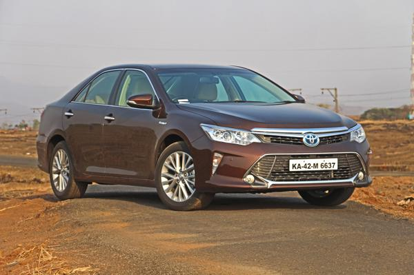 Toyota Camry Hybrid Images 34