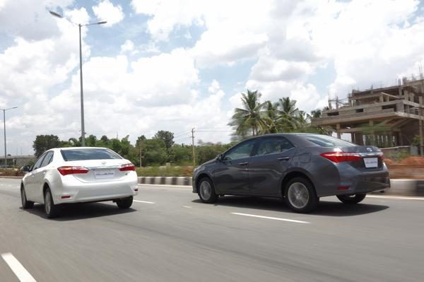 Toyota Corolla Altis Images 22