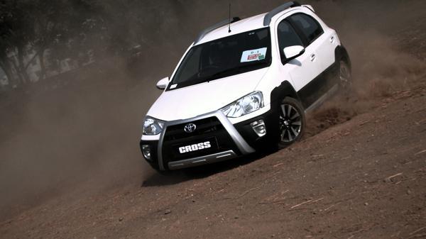 Toyota Etios Cross Pictures 3