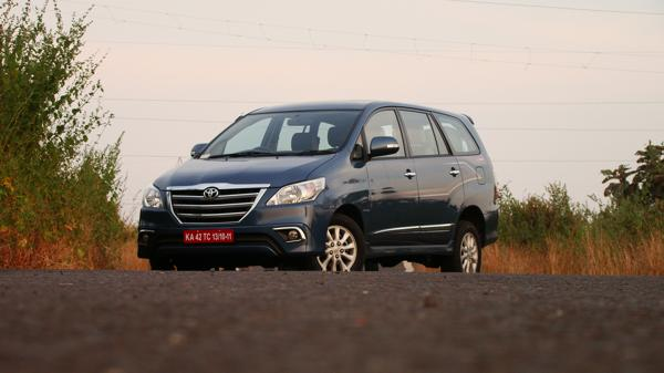 Toyota Innova Photos 6