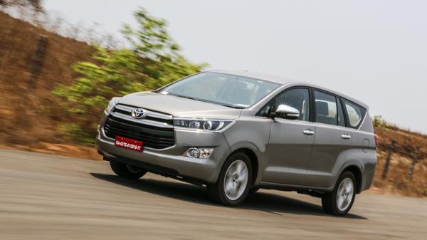 Toyota Innova Crysta Review - CarTrade