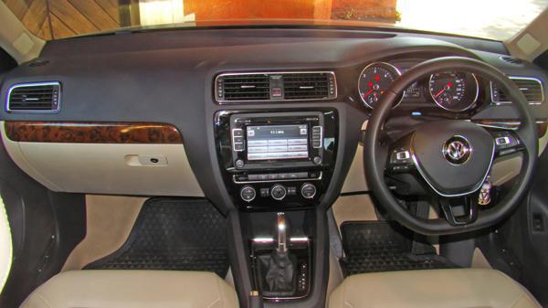 Volkswagen Jetta Images 4