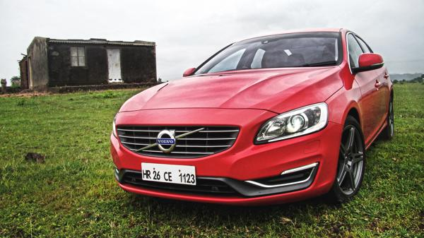 2014 Volvo S60 Review - CarTrade