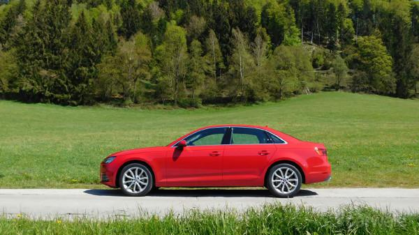 Audi New A4 Left Side View 72440