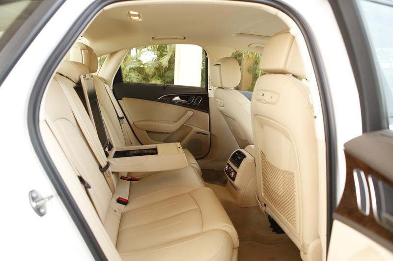 Audi A6 interior Image 8