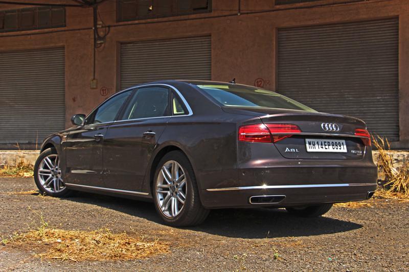 Audi A8 L Photos 10