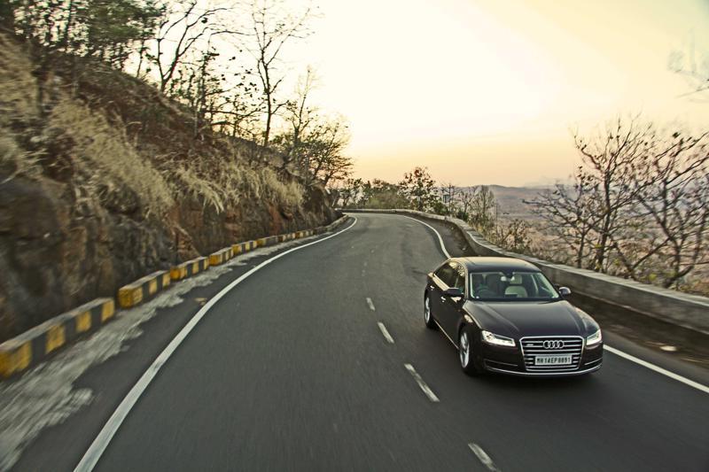 Audi A8 L Photos 16