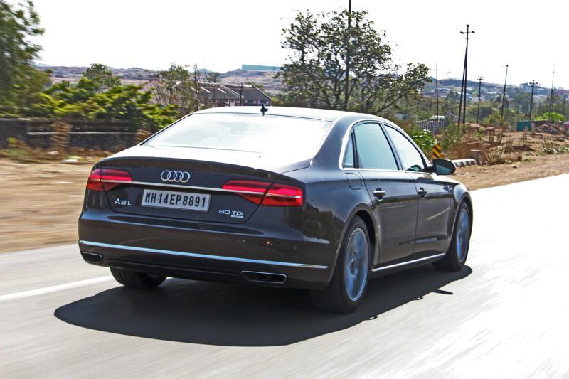 Audi A8 L Photos 25