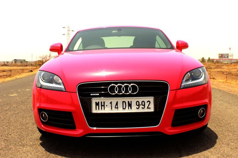 Audi TT Front photo image