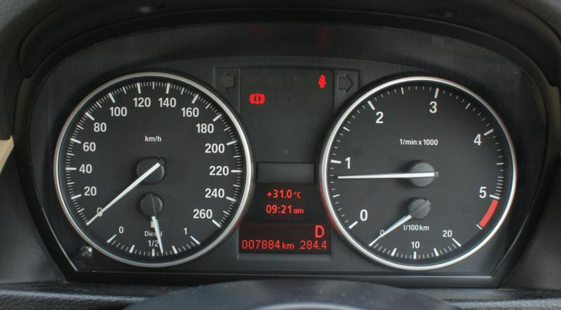 Bmw X1   Speed Display