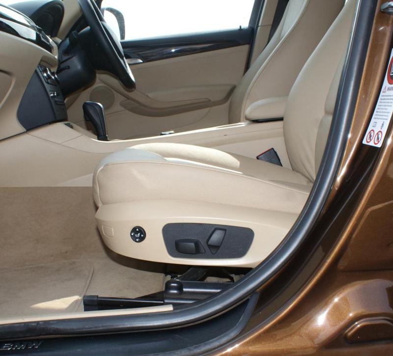 Bmw X1 Interiors Front Seat Control