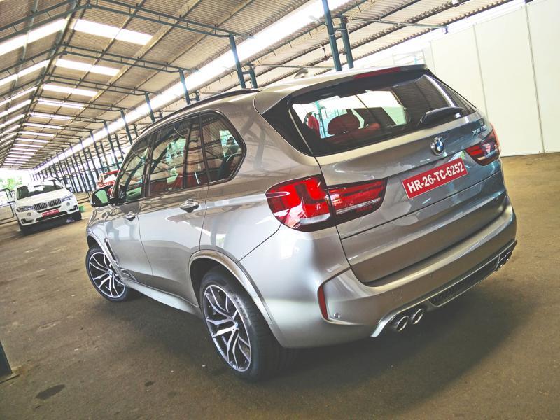 2015 BMW X5M Images 16