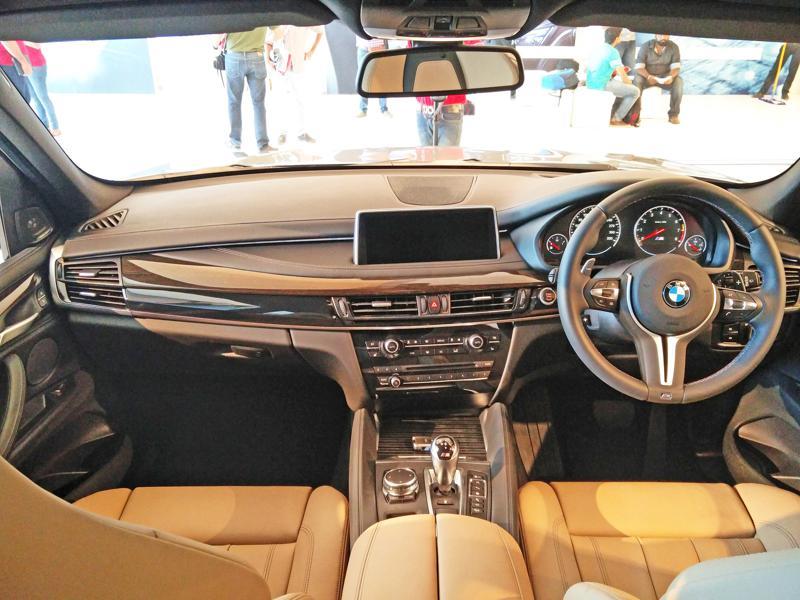 2015 BMW X5M Images 17