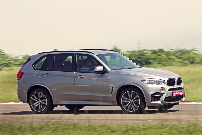 2015 BMW X5M Images 4