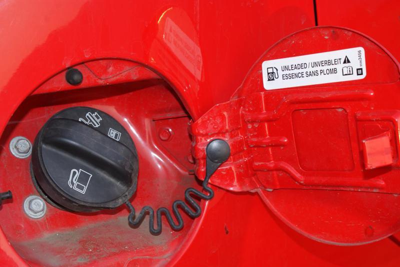 Chevrolet Beat Testdrive Fuel Lid
