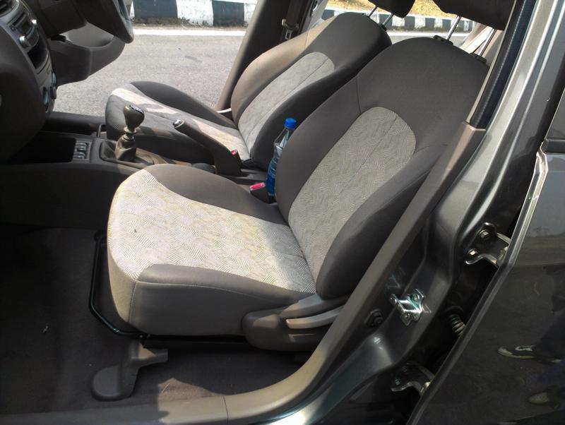 Chevrolet Sail U VA Front Seats