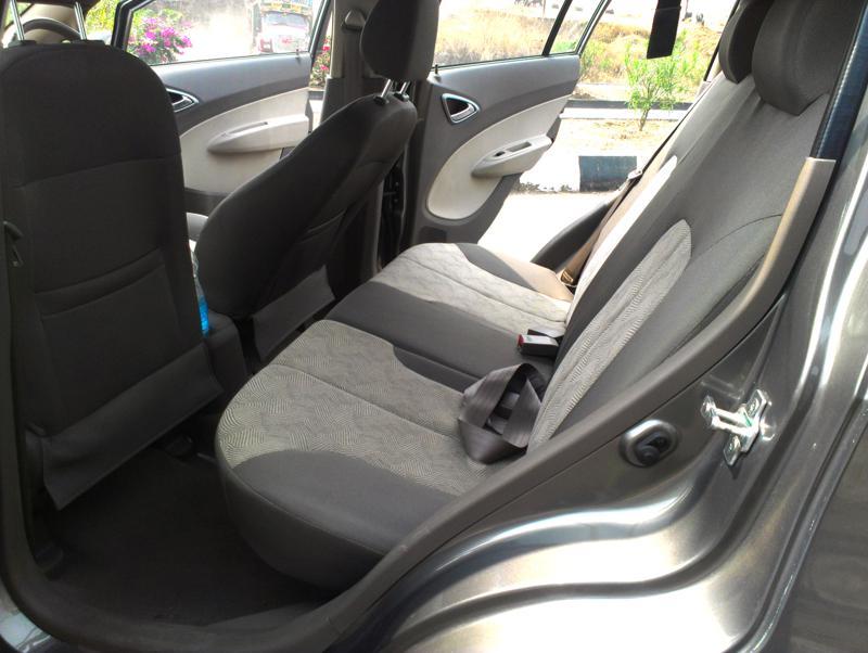 Chevrolet Sail U VA Rear Legroom