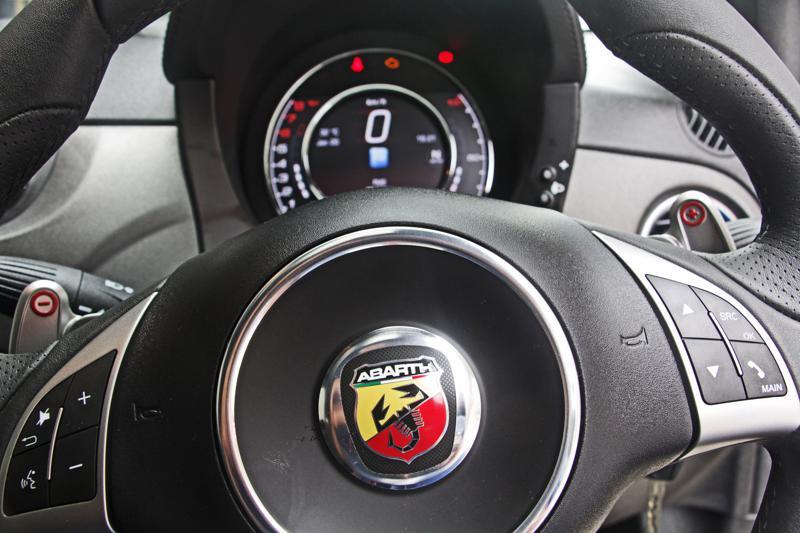 Fiat Abarth 595 competizione 4
