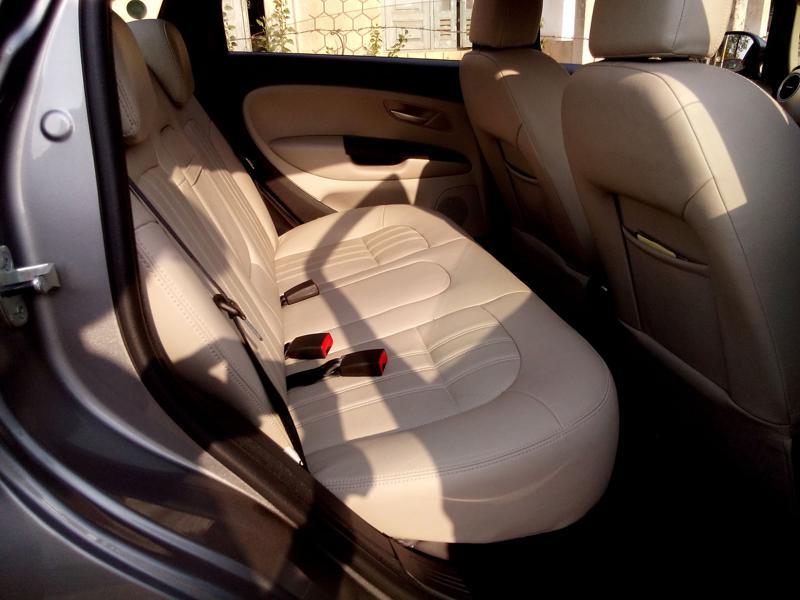 Fiat Linea Interior Pictures 19