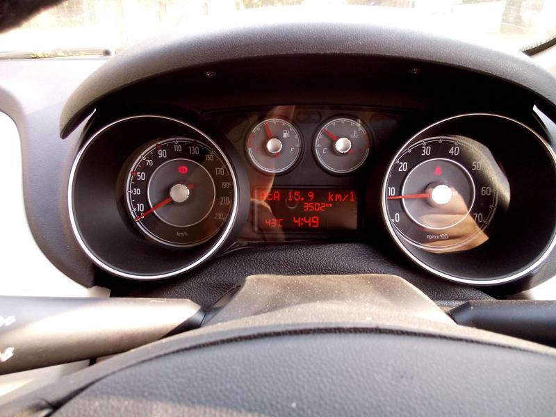 Fiat Linea Interior Pictures 28