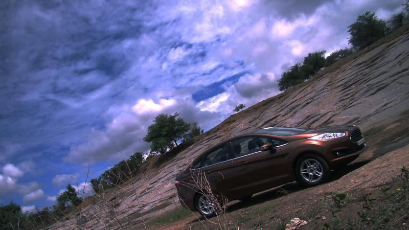 2014 Ford Fiesta Images 38