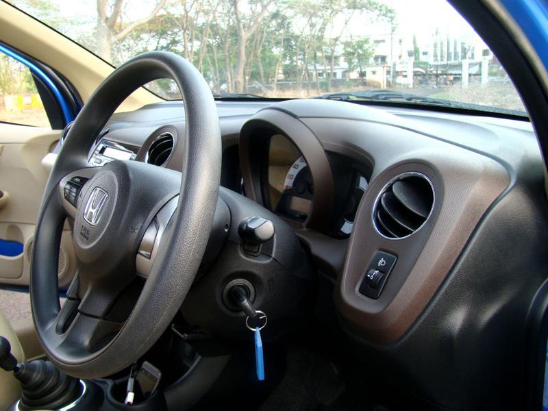Honda Brio Picture 18