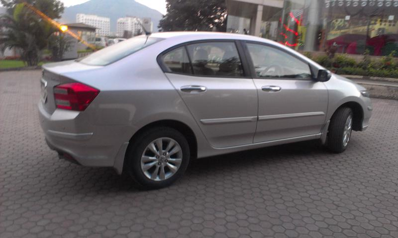 Honda City photo right side