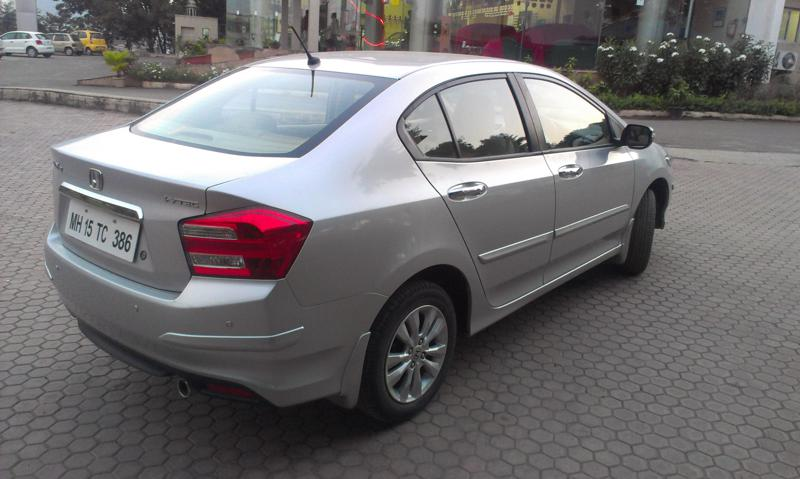 Honda City rear quarter right image