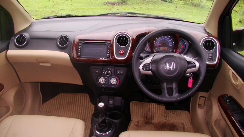 Honda Mobilio Photos 4