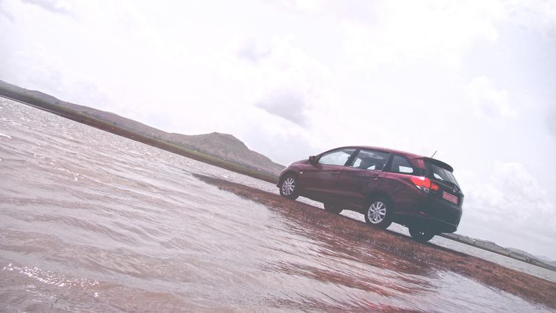 Honda Mobilio Images 26