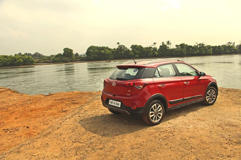 Hyundai i20 Active Pictures 9
