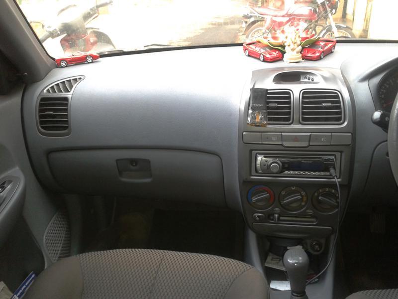 Hyundai Accent Photo 9