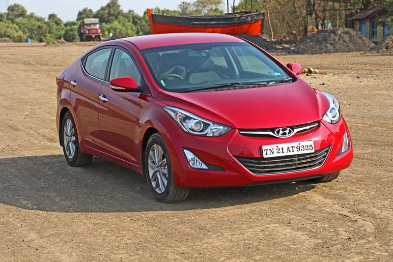 Hyundai Elantra Images 9