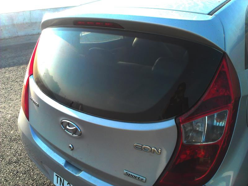 Hyundai Eon Rear glass section image