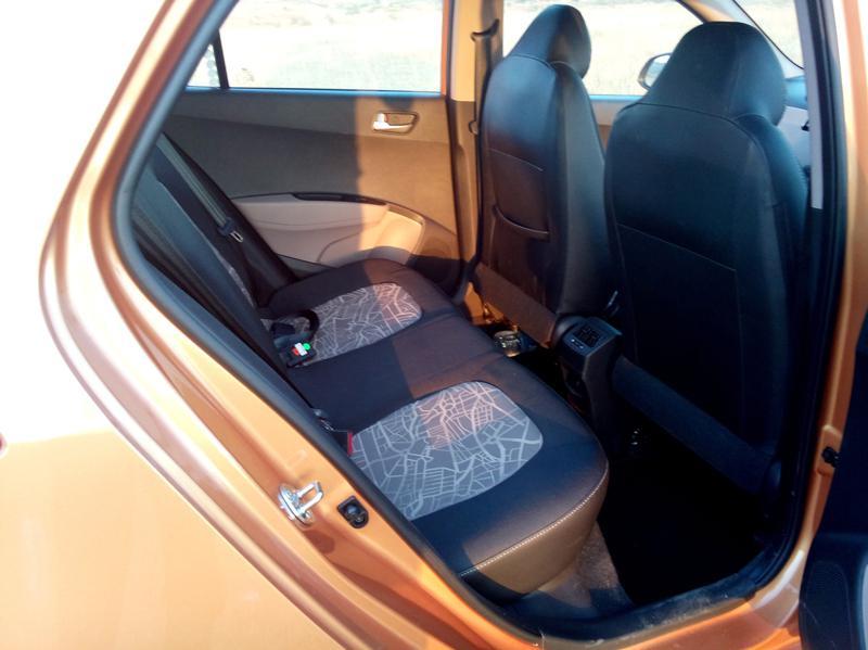 Hyundai Grand i10 Images 23