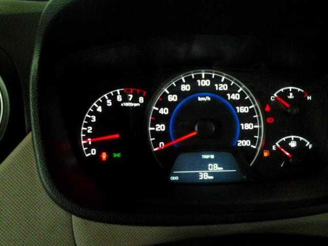 Hyundai Grand i10 15