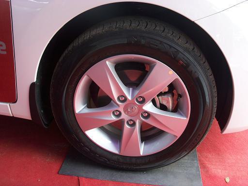Hyundai Neo Elantra Fluidic Picture 22