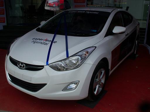 Hyundai Neo Elantra Fluidic Picture 18