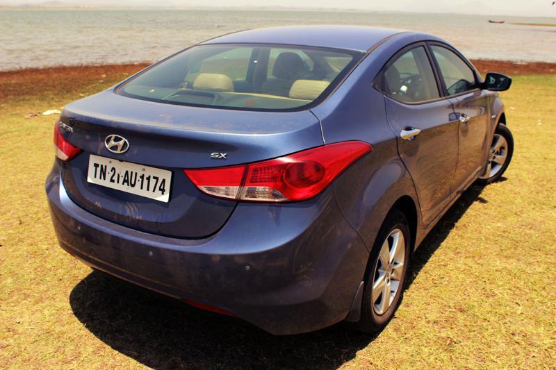 Hyundai Elantra Rear Quarter view
