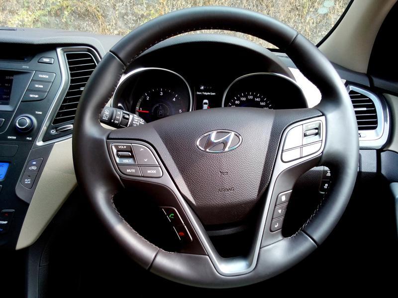 Hyundai Santa Fe Interiors 12