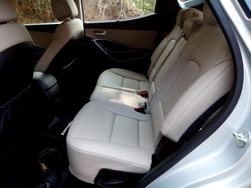 Hyundai Santa Fe Interiors 15